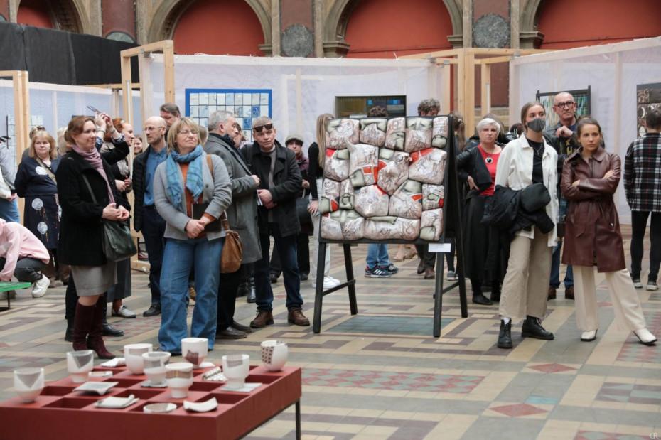 В Большом выставочном зале Академии Штиглица проходит выставка «Один квадратный метр»
