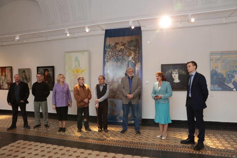 Открылась выставка «Образ женщины в изобразительном искусстве»