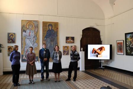 В Учебном музее прикладного искусства открылась международная выставка «Культурное наследие Греции в современном искусстве»