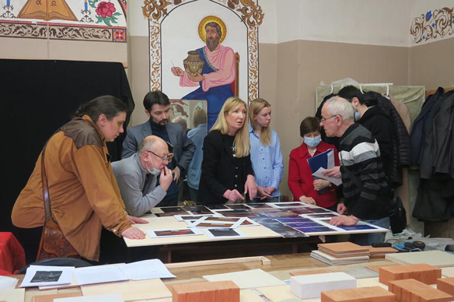 Магистры Академии Штиглица восстановили картину «Крещение Христа» для Александро-Невской лавры