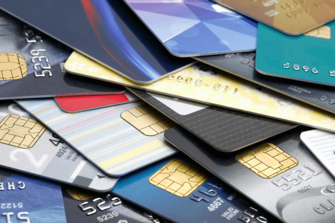 Выдача банковских карт студентам