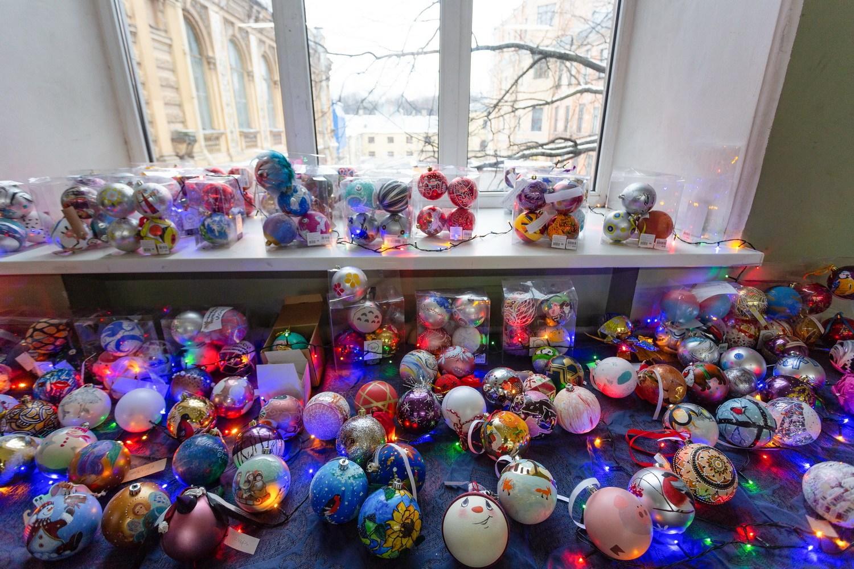 Студенческий конкурс по изготовлению новогодней дизайнерской игрушки