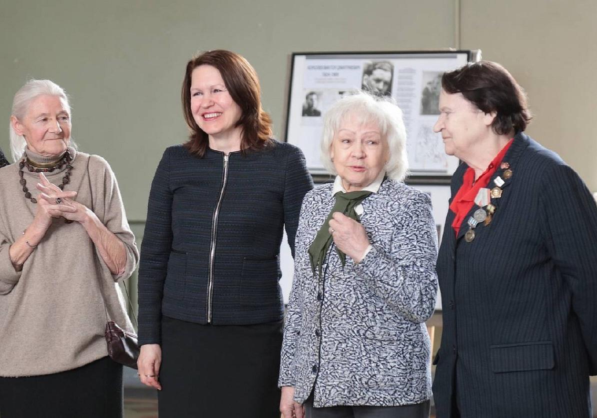 Поздравления с 77-летием со дня полного освобождения Ленинграда от фашистской блокады